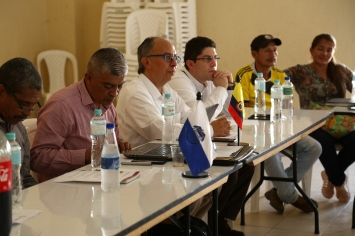 After meeting with local community organisations in Corinto, Cauca, the delegation spoke with local authorities including representatives of the Police, Army, and the Attorney General's Office.