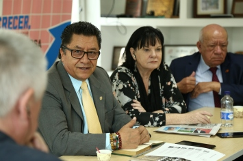 Luis Pedraza (left), President of the CUT and Luis Miguel Morantes (right) President of the CTC together with delegation member Sharan Burrow, General Secretary of the ITUC.