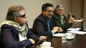 A meeting with key FARC negotiators in the Colombian peace process. Hours after the meeting Jesus Santrich (left) was arrested in an incident considered by many to put the peace process in a worrying position. See here for JFCs statement on the arrest: https://justiceforcolombia.org/news/justice-for-colombia-statement-in-response-to-ongoing-imprisonment-of-jesus-santrich/