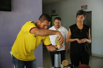 A local distributor of cacao gave a demonstration to the delegation of the process to produce chocolate