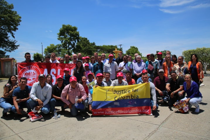 The delegation together with members of the local community organisation ASCAMCAT. In the weeks prior to the visit a member of ASCAMCAT was murdered and another was kidnapped for several days
